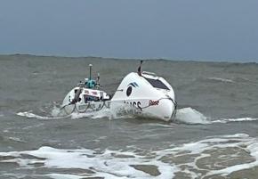 Un aviron à la dérive après l'attaque d'un requin au large de la Guyane