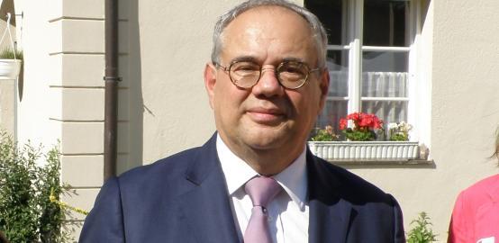 Pierre Lanapats nommé ambassadeur de France au Suriname