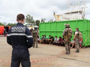 Pêche illégale : des Brésiliens condamnés après des tirs de mortiers contre des militaires