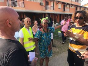 Querelle entre propriétaires et locataires de deux résidences voisines à Montabo
